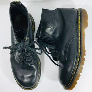 Vintage Dr. Martens Black 6 Eye Lace Up Boots EUC